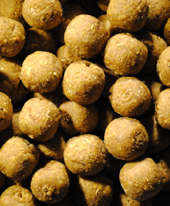Feed Up Whip Pineapple Boilies 14mm / 20mm / 28mm - 1KG